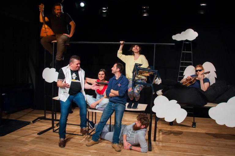 """""""Brak sensu, Aniołek, Żyrafa i stołek"""" w Centrum Kultury w Lublinie"""