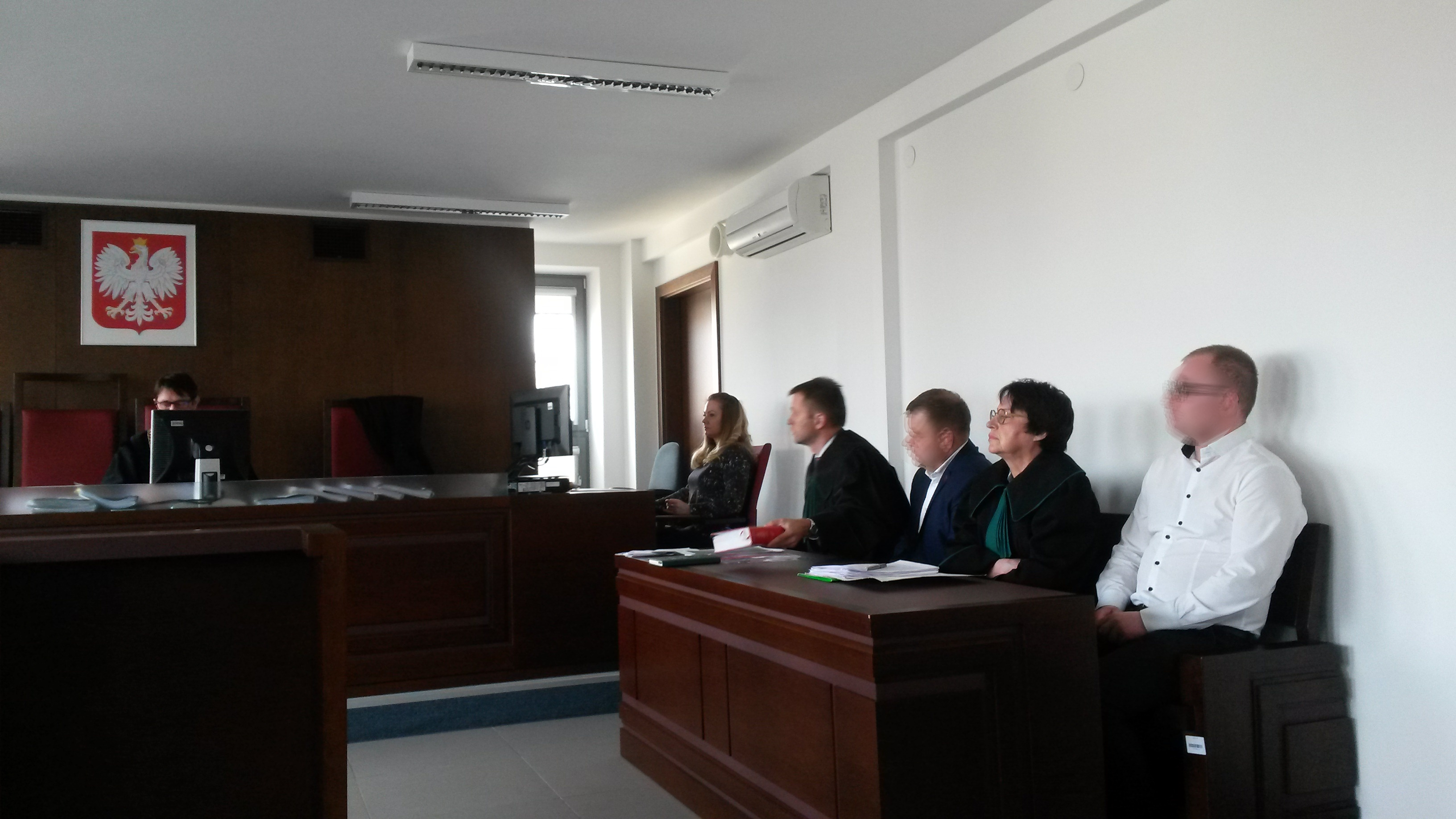 Sąd Okręgowy w Lublinie skierował sprawę dwóch przedsiębiorców zgminy Niemce do mediacji.