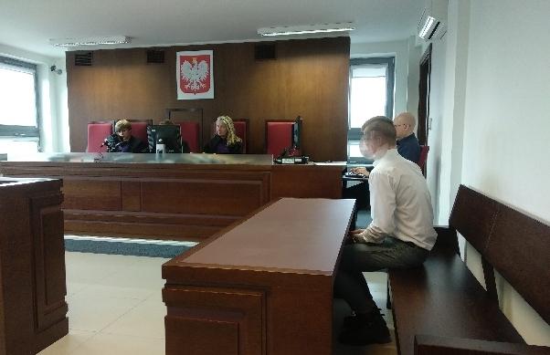Rok w zawieszeniu na pięć lat usłyszał 18-letni Paweł Ch., który w ubiegłym roku uderzył swojego rówieśnika w skroń kolbą od wiatrówki.