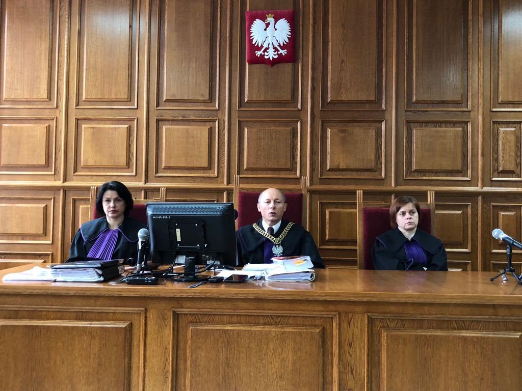Sąd Dyscyplinarny w Sądzie Apelacyjnym w Lublinie uznał za winnego i ukarał sędziego, który porównał prezesa PiS Jarosława Kaczyńskiego do Hitlera, upomnieniem.