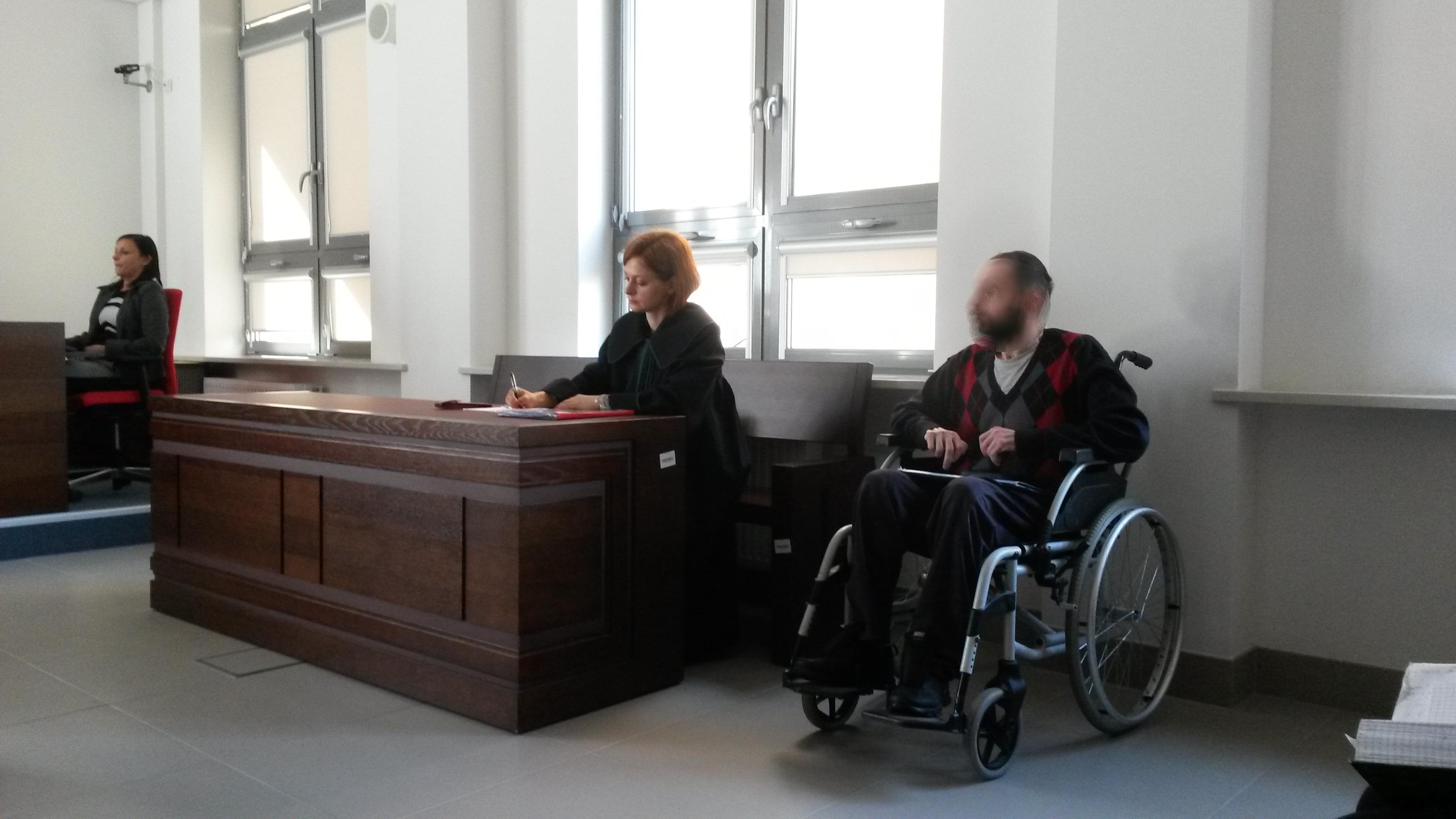 Rozpoczął się proces Andrzeja R. oskarżonego o zabójstwo żony i wysadzenie budynku przy ul. Kleeberga