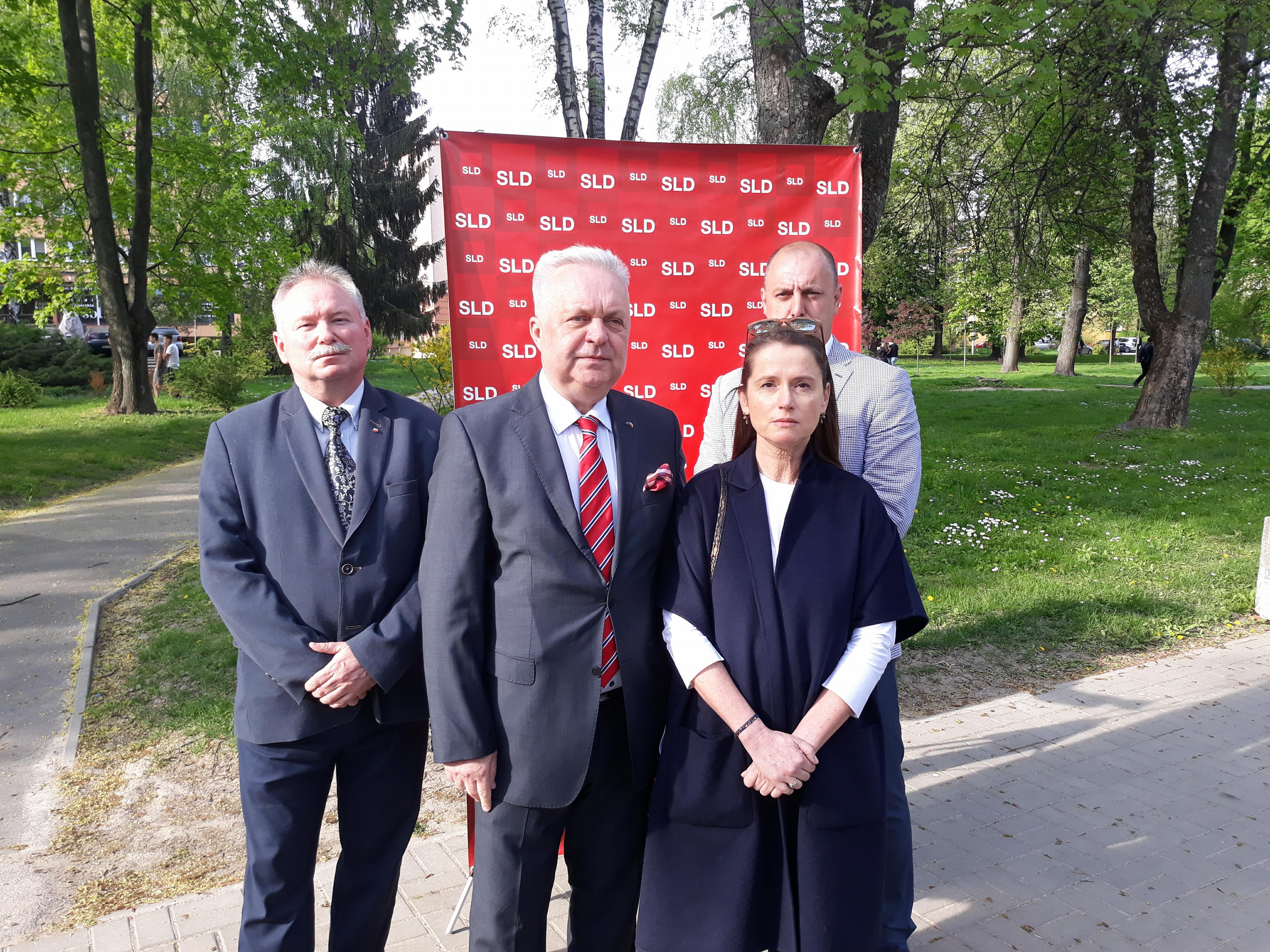 Sojusz Lewicy Demokratycznej nie ustaje w walce z zawetowaną przez prezydenta Andrzeja Dudę tzw. ustawą degradacyjną.