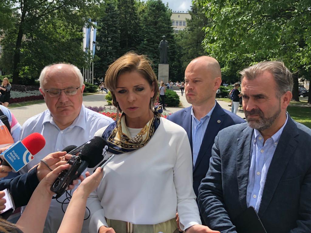 Lubelscy studenci przeciwko reformie Gowina. Protestujący obawiają się, że ustawa stanowi ogromne zagrożenie dla funkcjonowania wielu mniejszych ośrodków akademickich, w tym uczelni w Lublinie.