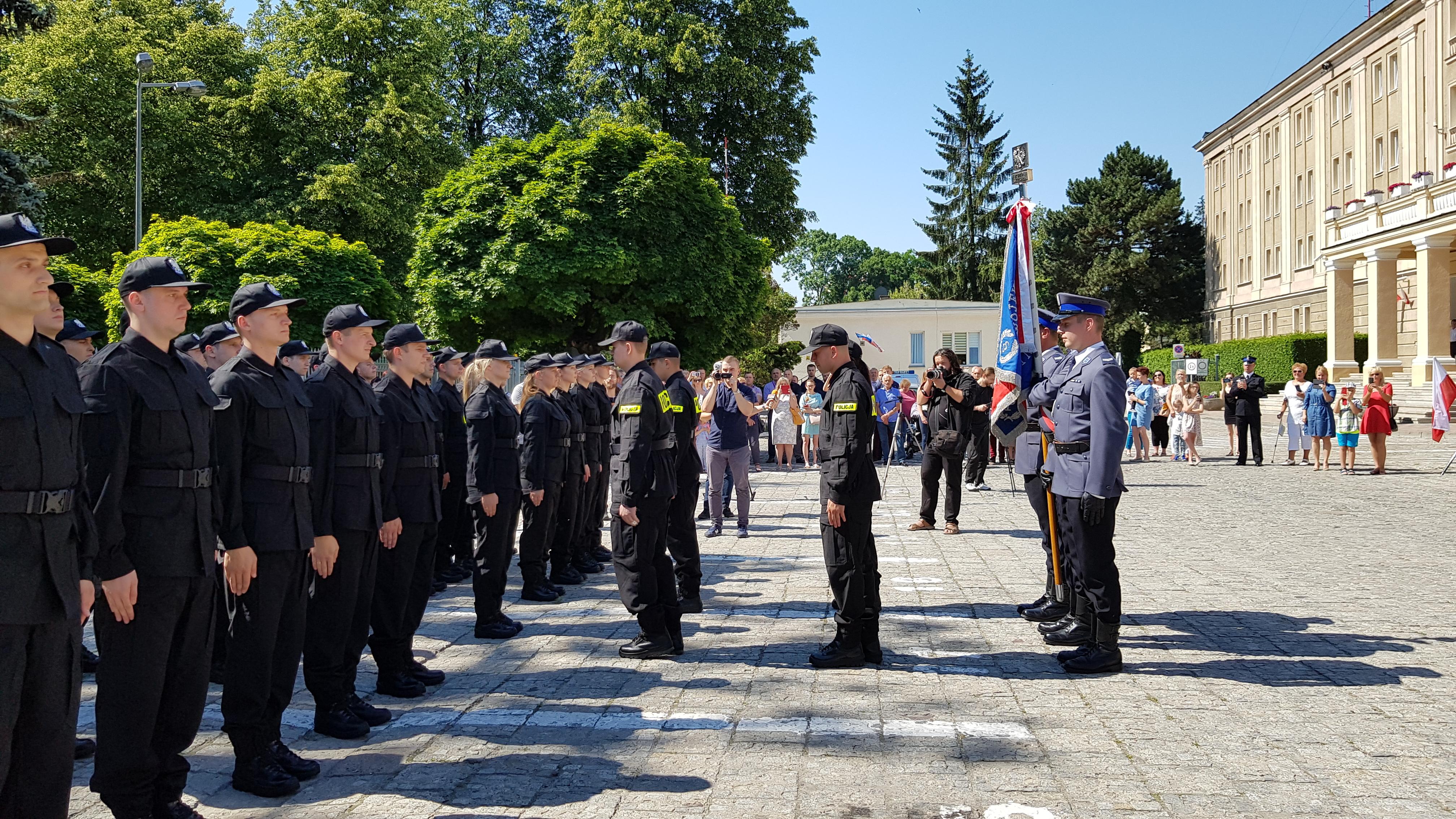 36 nowych policjantów zasiliło szeregi lubelskiego garnizonu