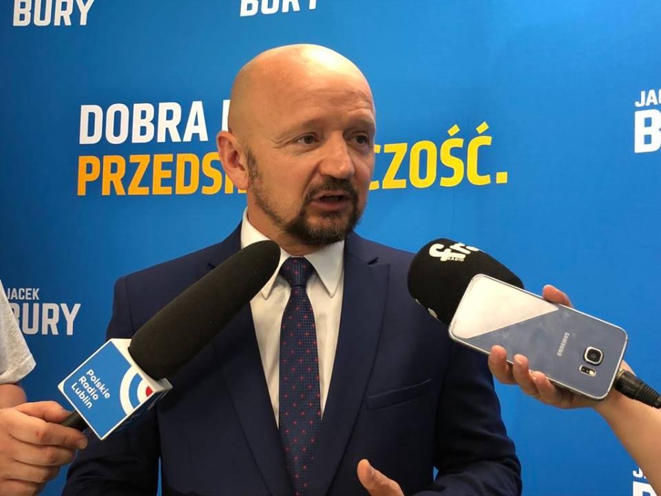Jacek Bury zaprezentował pierwszy z trzech spotów wyborczych