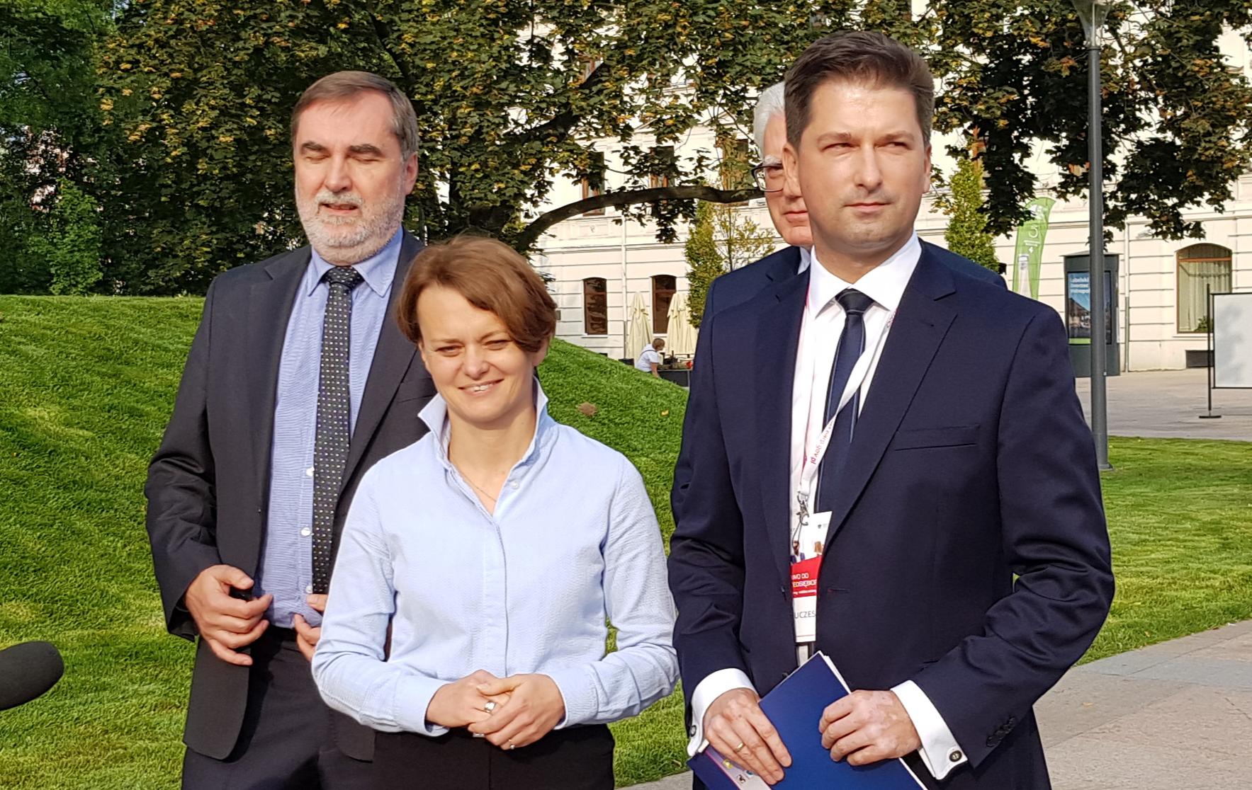 Minister Przedsiębiorczości i Technologii Jadwiga Emilewicz wsparła Sylwestra Tułajewa