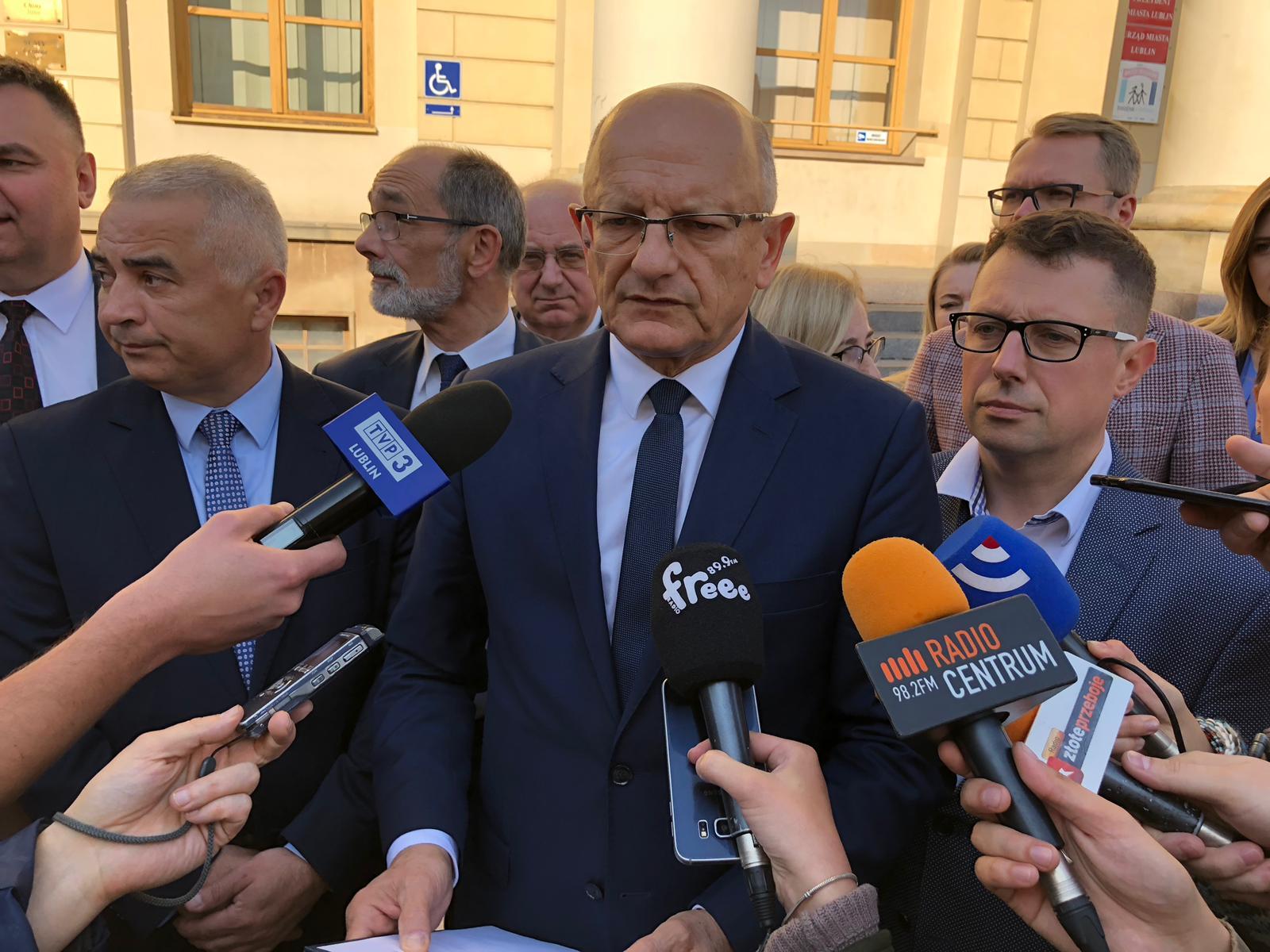 Krzysztof Żuk zapowiedział pozew w trybie wyborczym przeciwko Sylwestrowi Tułajewowi.