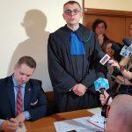 Wojewoda lubelski stanął przed sądem. Sprawa dotyczy prywatnego